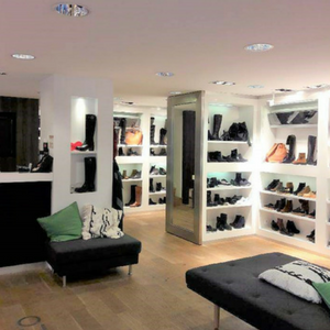 Photo de la boutique outremesure de Rennes centre, magasin chaussure femme rennes centre ville,magasin vêtement rennes, boutique mode rennes, magasin mode femme rennes chaussures sacs bijoux accessoires et vêtements