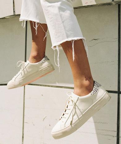 Photo pour article tendance fashionbaskets femme tendance sneakers et baskets stars de l'hiver 2018 baskets blanches ootd idée et conseil look tendance de mode femmepar outremesure