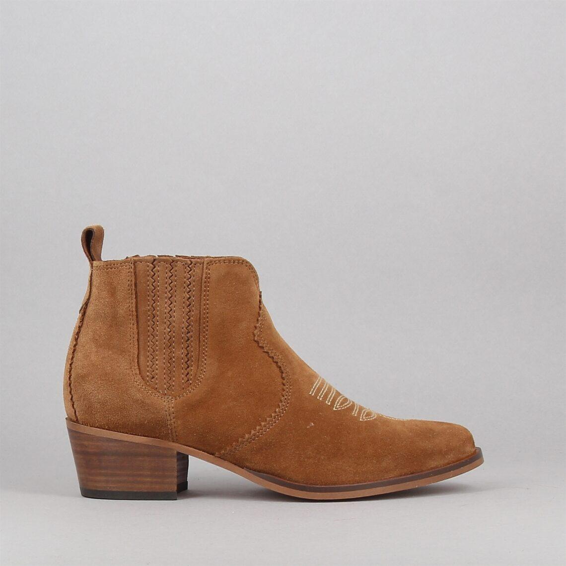 polly-boots-camel-178929666-0.jpg
