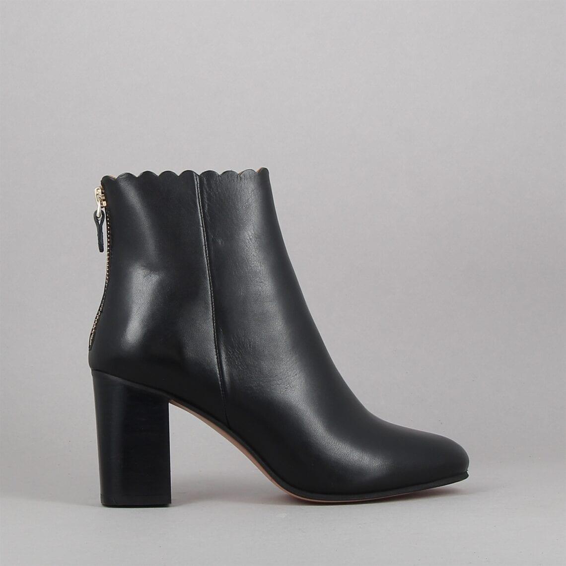 emilie-noir-182550530-0.jpg