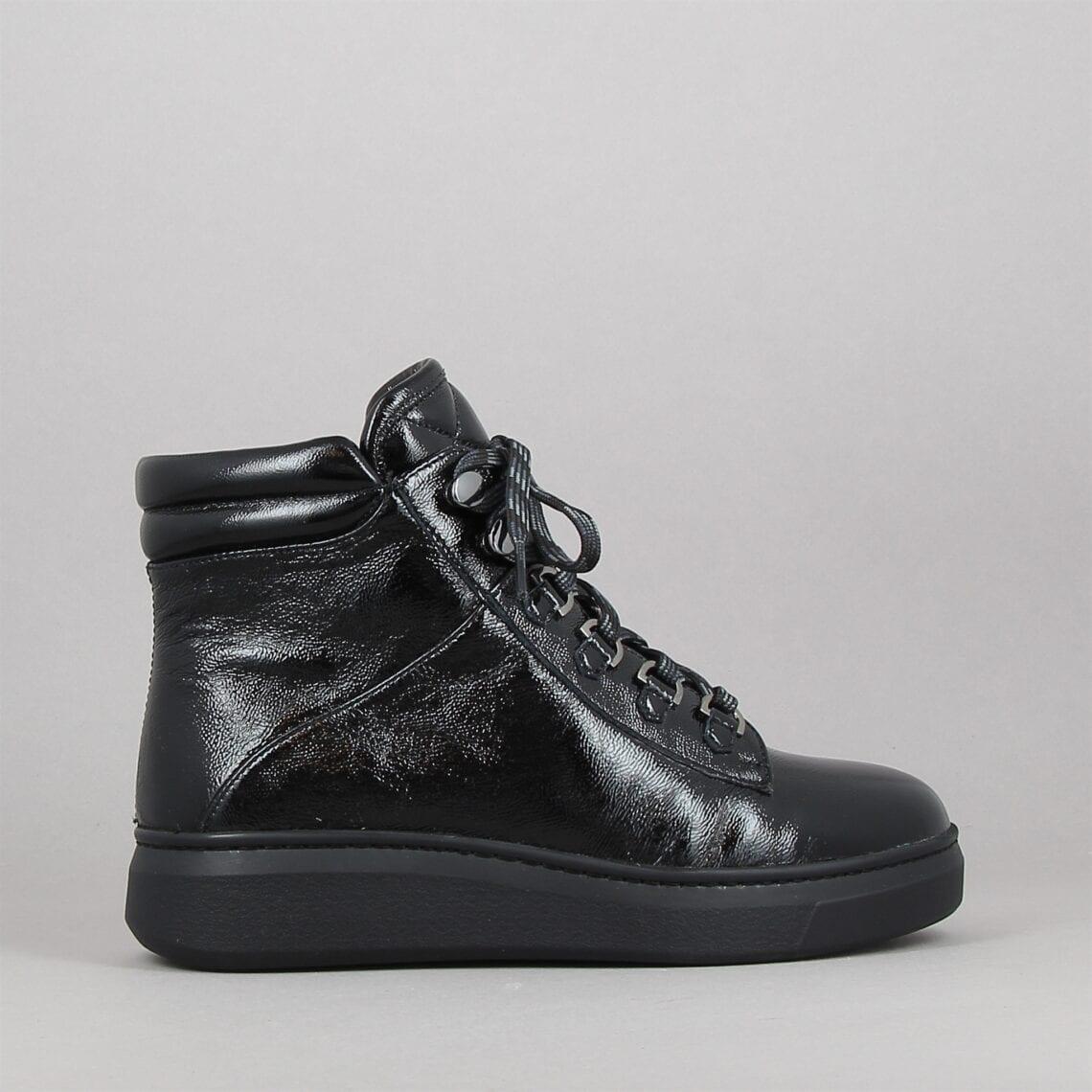 fontana-noir-182910978-0.jpg