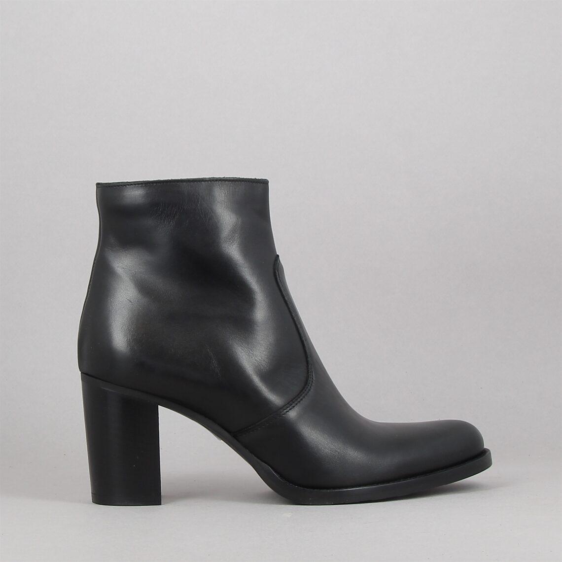 rachel-noir-189825026-0.jpg