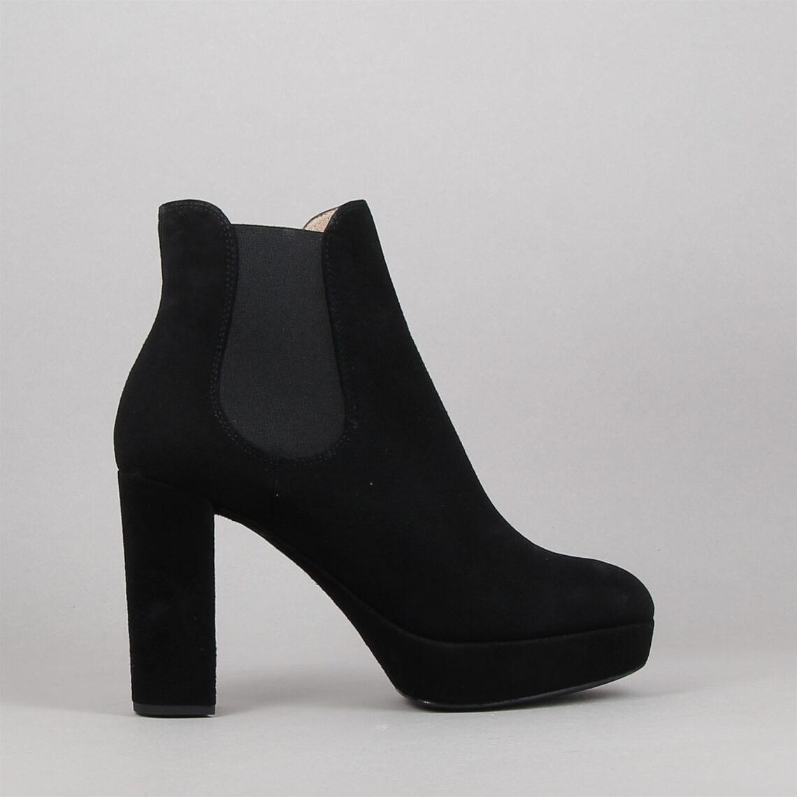 regis-noir-183238658-0.jpg