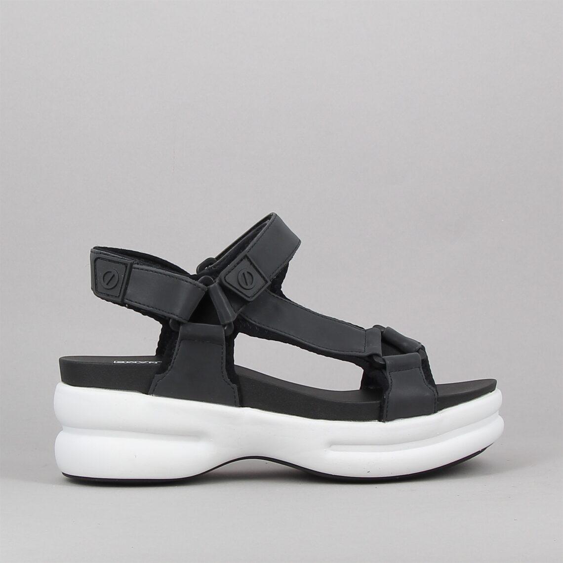 concrete sandal reflex