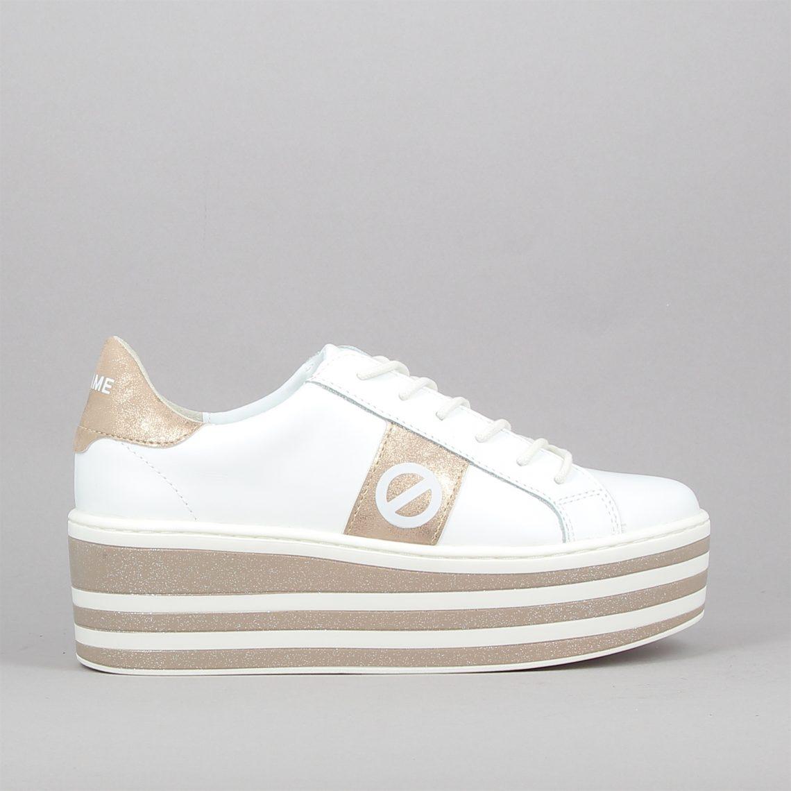 boost sneaker e20
